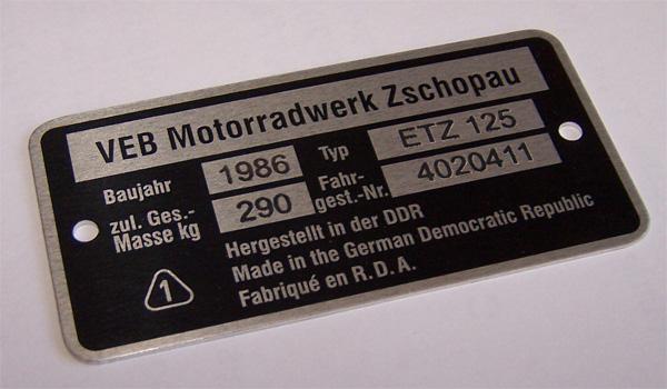 Fahrzeug Identifizierungs Nummer Typschild An Meiner Sr 50 Mr 95
